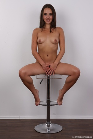 Tanned brunette chick with long hair loo - XXX Dessert - Picture 20