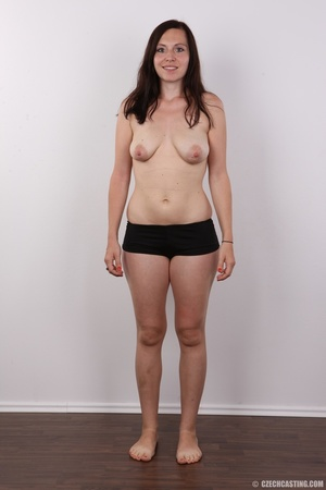 Very hot brunette mom with natural boobs - XXX Dessert - Picture 7
