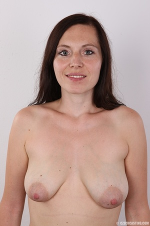 Very hot brunette mom with natural boobs - XXX Dessert - Picture 9