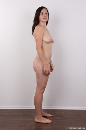 Very hot brunette mom with natural boobs - XXX Dessert - Picture 14