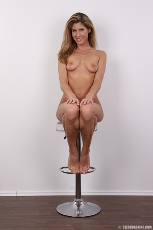 Tanned MILF with reddish hair came to ca - XXX Dessert - Picture 19