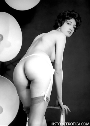 Professional and amateur vintage photos  - XXX Dessert - Picture 1