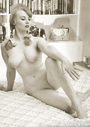 Vintage chicks with firm natural bodies  - XXX Dessert - Picture 1