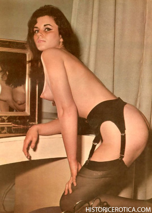 Amazing vintage girls in sexy lingerie a - XXX Dessert - Picture 3