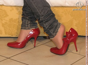 Damsel in hot jeans, red shoes, and white top reveals pretty sexy feet - XXXonXXX - Pic 1