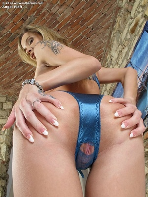 Tattooed fair-haired girl takes off her  - XXX Dessert - Picture 3