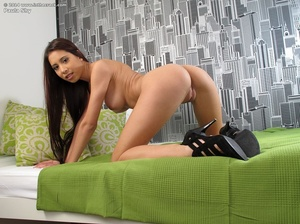 Cool close-ups with stretched brunette t - XXX Dessert - Picture 9
