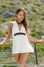 bimbo white dress gets