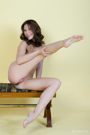 Tall curvy nude brunette with sexy shape - XXX Dessert - Picture 6