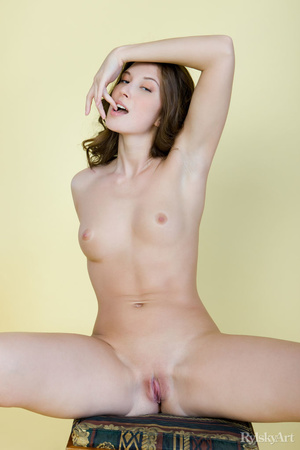 Tall curvy nude brunette with sexy shape - XXX Dessert - Picture 9
