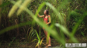 Poor brunette teen hitchhiker gets mouth - XXX Dessert - Picture 1