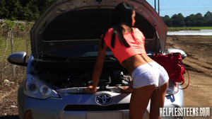 Sweet brunette freshie with a broken car - Picture 1