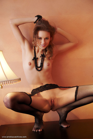 Loose tramp in black fishnets spreads he - XXX Dessert - Picture 16