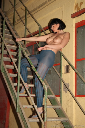 Thick, sexy chick in a warehouse posing  - XXX Dessert - Picture 11