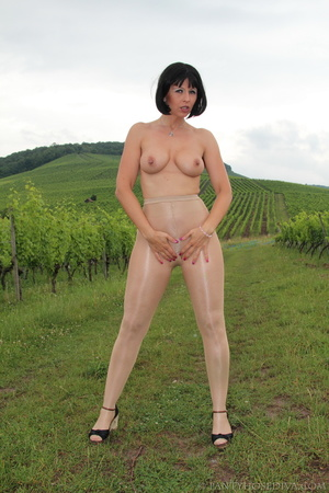 Topless exhibitionist in vineyard shows  - XXX Dessert - Picture 6