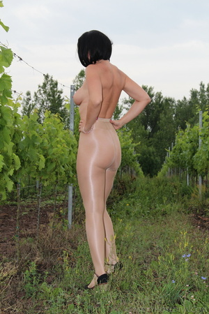 Topless exhibitionist in vineyard shows  - XXX Dessert - Picture 7