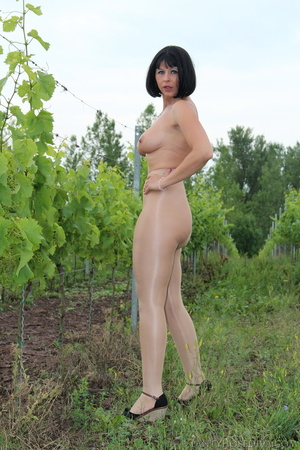 Topless exhibitionist in vineyard shows  - XXX Dessert - Picture 8