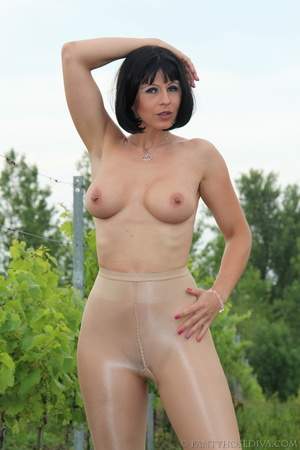 Topless exhibitionist in vineyard shows  - XXX Dessert - Picture 9