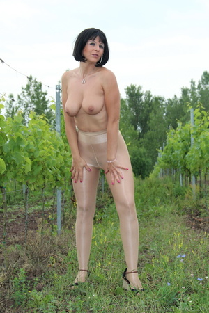 Topless exhibitionist in vineyard shows  - XXX Dessert - Picture 12