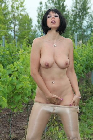 Topless exhibitionist in vineyard shows  - XXX Dessert - Picture 14