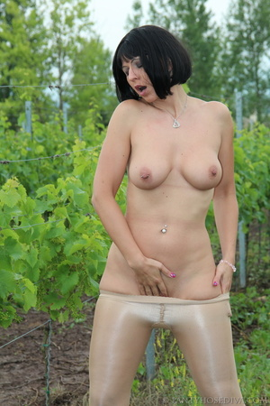 Topless exhibitionist in vineyard shows  - XXX Dessert - Picture 15