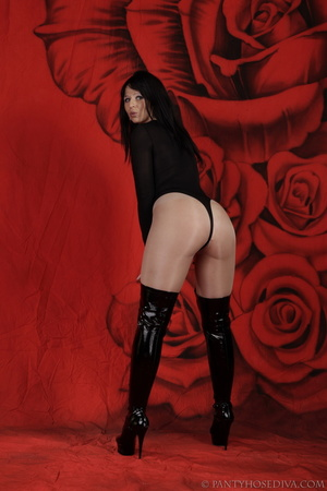 Lady in black thigh-high boots and thong - XXX Dessert - Picture 2