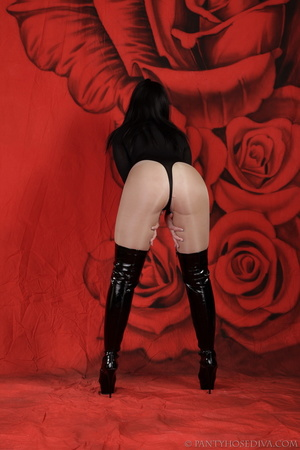 Lady in black thigh-high boots and thong - XXX Dessert - Picture 3