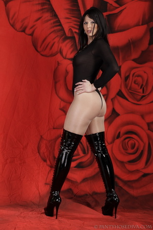 Lady in black thigh-high boots and thong - XXX Dessert - Picture 4