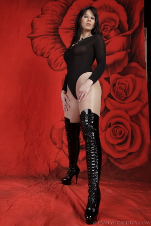 Lady in black thigh-high boots and thong - XXX Dessert - Picture 5