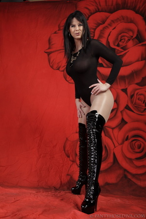 Lady in black thigh-high boots and thong - XXX Dessert - Picture 9