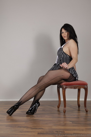 Long-haired brunette on a stool inserts  - XXX Dessert - Picture 3