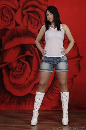 Cutie in white platform boots and jean s - XXX Dessert - Picture 2