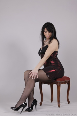 Classy gal with dark hair in black hosie - XXX Dessert - Picture 3
