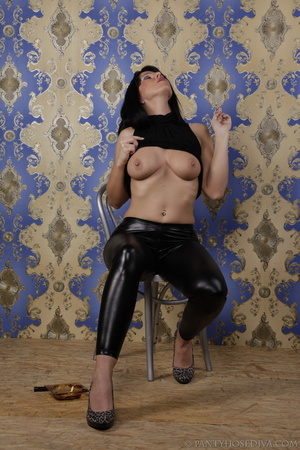 Hot brunette in shiny black leggings is  - XXX Dessert - Picture 4