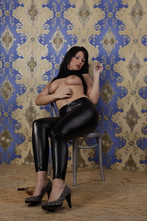 Hot brunette in shiny black leggings is  - XXX Dessert - Picture 5