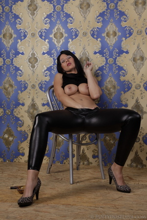 Hot brunette in shiny black leggings is  - XXX Dessert - Picture 6