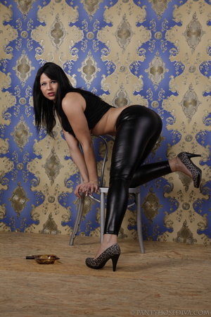 Hot brunette in shiny black leggings is  - XXX Dessert - Picture 9