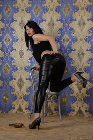 Hot brunette in shiny black leggings is  - XXX Dessert - Picture 10