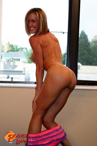 slim athletic fit blonde