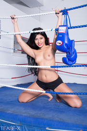 bodacious sweaty brunette boxer