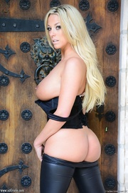 sexy cool blonde chick
