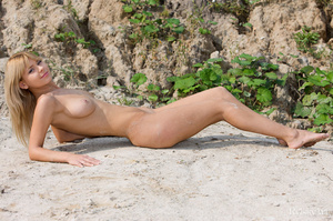 Pretty blonde babe goes outdoor and disp - XXX Dessert - Picture 11