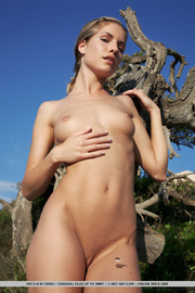 slender chick with thin