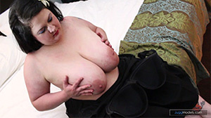 Fat girls sucking each wearing hot dress - XXX Dessert - Picture 3