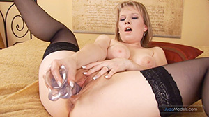 Blonde chicks loves to spread wide as th - XXX Dessert - Picture 4