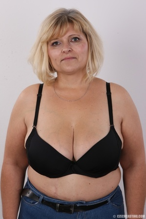 Blonde MILF takes off her brown shirt bl - XXX Dessert - Picture 6