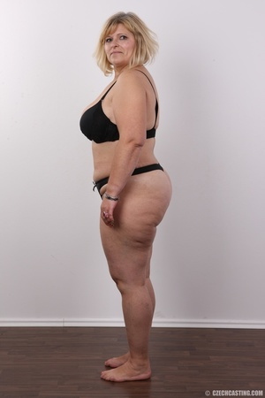 Blonde MILF takes off her brown shirt bl - XXX Dessert - Picture 8