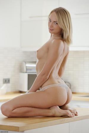 Wild blonde hottie in a white vest and t - XXX Dessert - Picture 8