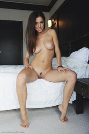 boobilicious brunette hottie posing