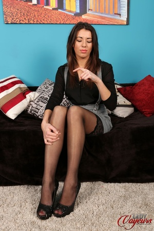 Lovely brunette wearing black blouse top - XXX Dessert - Picture 4